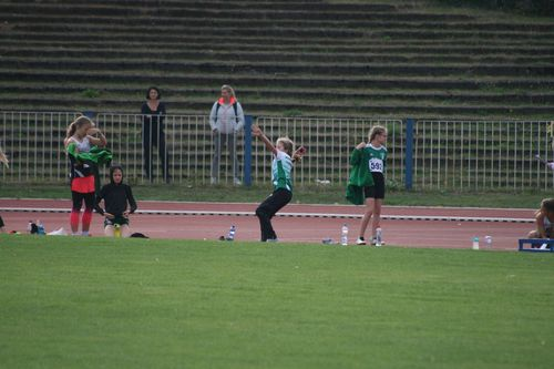 Zum Ausklang der Freiluft-Bahnsaison - 17 junge Hünfelder Leichtathleten erfolgreich in Leipzig unterwegs