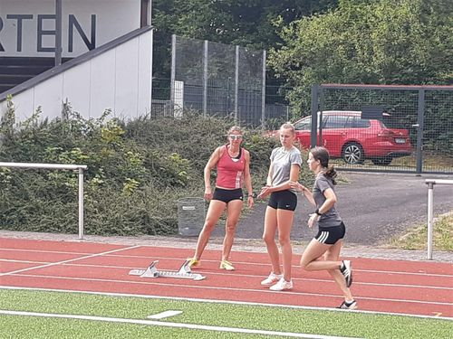 Maren Schott; die dreifache amtierende Europameisterin beim Training auf der Rhönkampfbahn in Hünfeld